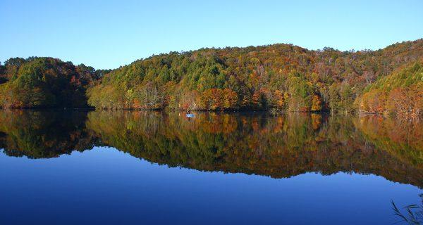 曽原湖の紅葉