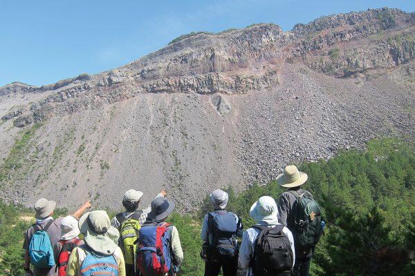 成層火山の断面